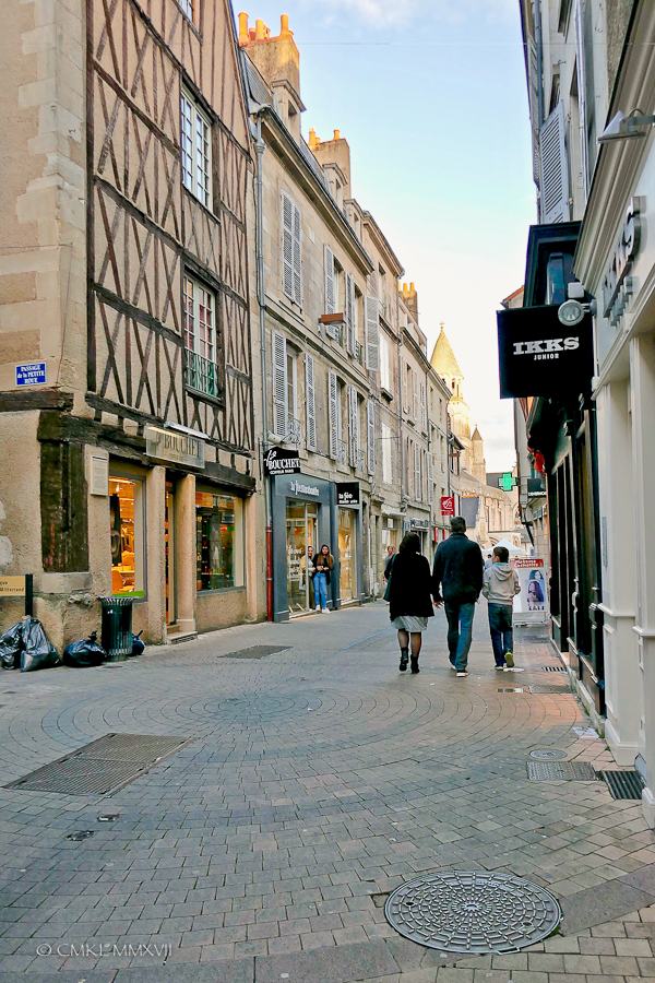 Poitiers.Town.12-1270145