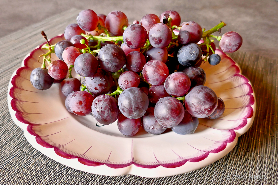 Grapes-1370125