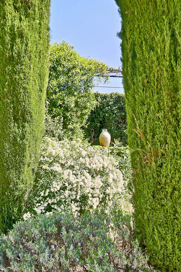 April.Garden.07-1410099